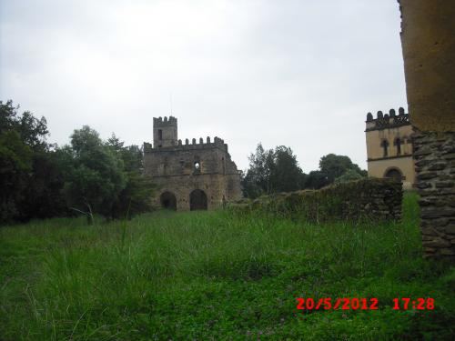 3._Gondar,_iglesia_Berhan_Selassie,_Ciudad_Imperial,_ba¤os_Fasi,_Kuskuam_(11)