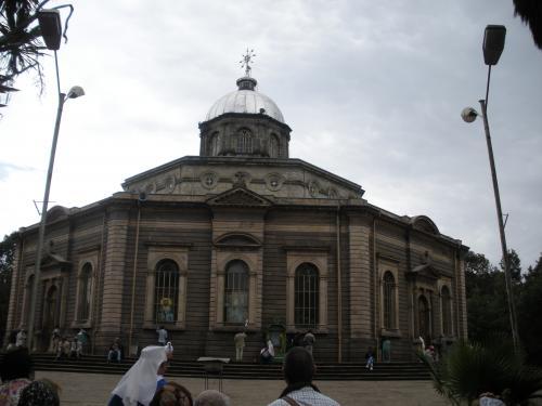 6._Addis_Abeba,_Merkato,_iglesia_San_Jorge_(1)
